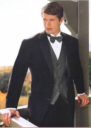 Calvin Klein 2 Button Notch Lapel Tuxedo